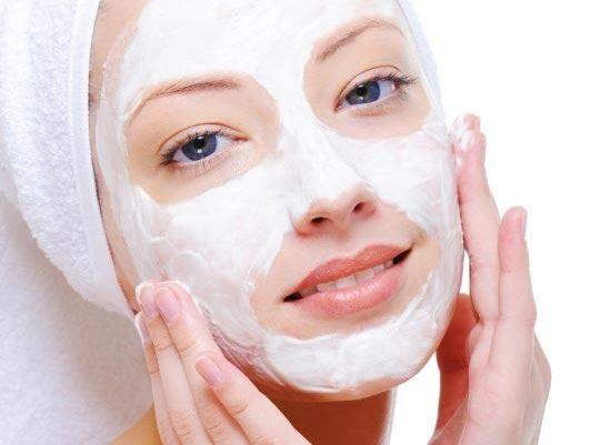 Mặt nạ dạng Gel dễ dàng thẩm thấu vào sâu trong da và phát huy tác dụng làm dịu da