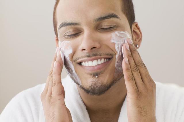Chăm sóc da mặt cho đàn ông
