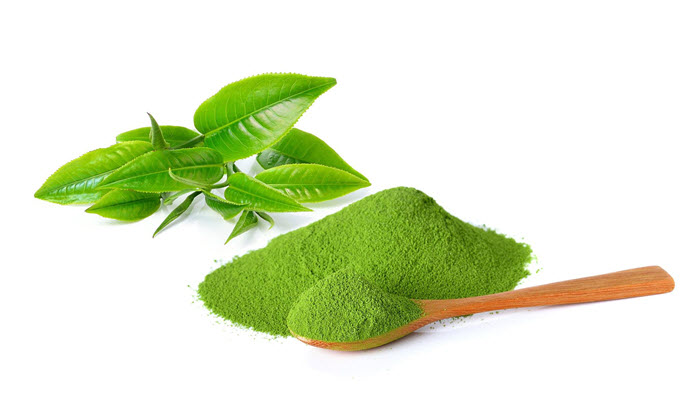 Bột trà xanh có công dụng nuôi dưỡng da trắng sáng, mịn màng tự nhiên và mờ nhanh vết thâm