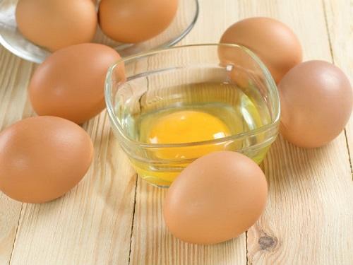 Trứng gà giúp điều trị và cải thiện tình trạng mụn phát sinh hiệu quả