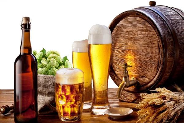 Tắm trắng toàn thân bằng bia là phương pháp dưỡng trắng da tiết kiệm thời gian và tiện lợi nhất với những người có quỹ thời gian eo hẹp nhưng vẫn mong muốn sở hữu làn da trắng hồng