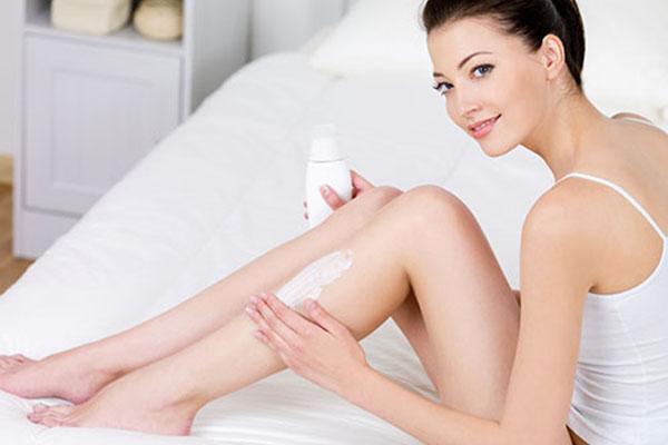 Để duy trì hiệu quả tắm trắng lâu dài bạn cần có biện pháp bảo vệ da khỏi tác hại của ánh nắng mặt trời cũng như các tác nhân môi trường khác