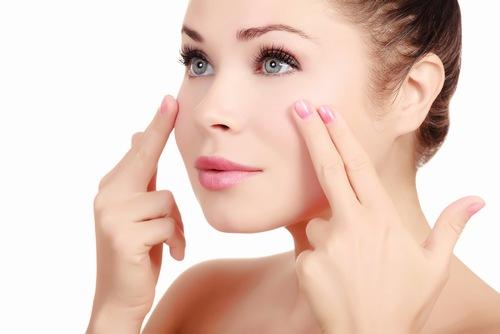 Liệu pháp chống lão hóa và làm sáng da vùng mắt giúp làn da khôi phục nét đẹp trẻ trung tươi tắn
