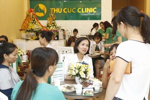 Thu Cúc Clinic Đà Nẵng luôn tấp nập khách hàng tới chăm sóc và làm đẹp da, thư giãn cơ thể.