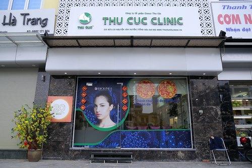 Cơ sở Thu Cúc Clinic Nguyễn Văn Huyên tọa lạc tại vị trí đắc địa, tạo điều kiện thuận lợi chocác tín đồ làm đẹp khu vực Cầu Giấy đến chăm sóc và điều trị thẩm mỹ da.