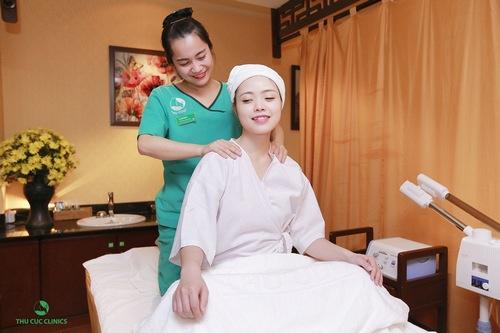 Trị liệu bấm huyệt bằng phương pháp Nhật Bản tại Thu Cúc Clinics đem đến cho khách hàng giây phút thư giãn