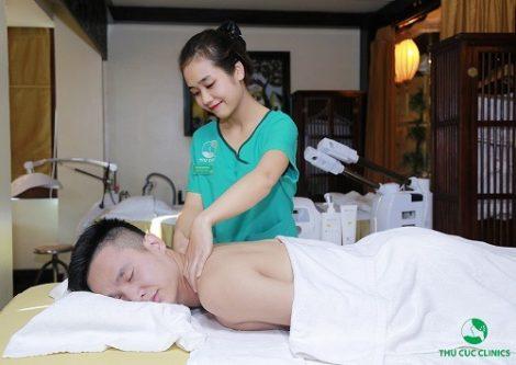 Trị liệu thư giãn toàn thân với tinh dầu thiên nhiên giúp cơ thể được thư giãn, tăng đàn hồi cho làn da