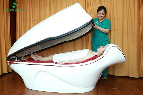 Tắm trắng phi thuyền là gì?