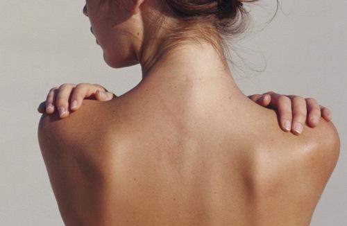 Chia sẻ kinh nghiệm trị mụn lưng hiệu quả
