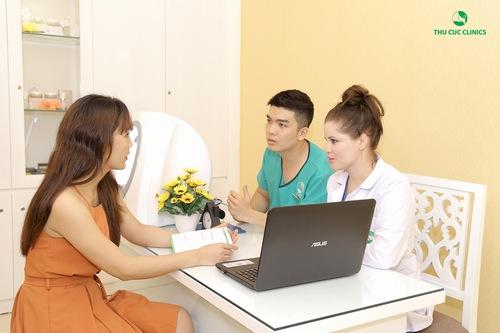 Đội ngũ bác sĩ chuyên môn cao giúp khách hàng có được liệu trình điều trị khoa học bài bản