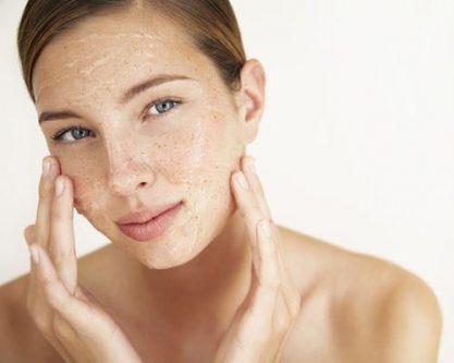 Tẩy da chết có ảnh hưởng đến da không?
