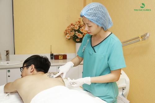 Tất cả các chuyên viên ở Thu Cúc Clinics đều có trình độ giỏi, có bằng điều dưỡng viên và đã được đào tạo chuyên môn.