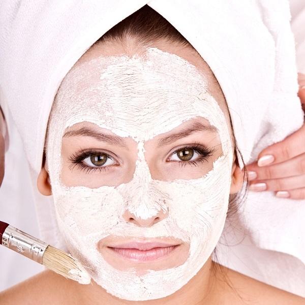 Đắp mặt nạ hàng tuần giúp phục hồi làn da mụn