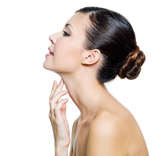 Massage vùng cổ giúp nâng cơ