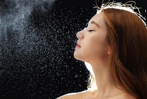 Chăm sóc da nhạy cảm cần lựa chọn các sản phẩm nhẹ nhàng, có ít thành phần