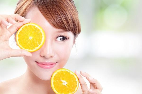Vitamin C là thành phần làm trắng da hiệu quả