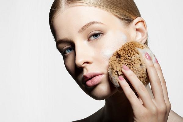 Tẩy tế bào chết còn có tác dụng làm lỗ chân lông sạch sẽ và nhỏ hơn