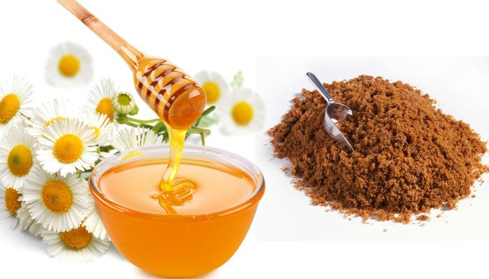 Kết hợp mật ong và đường để tẩy tế bào chết