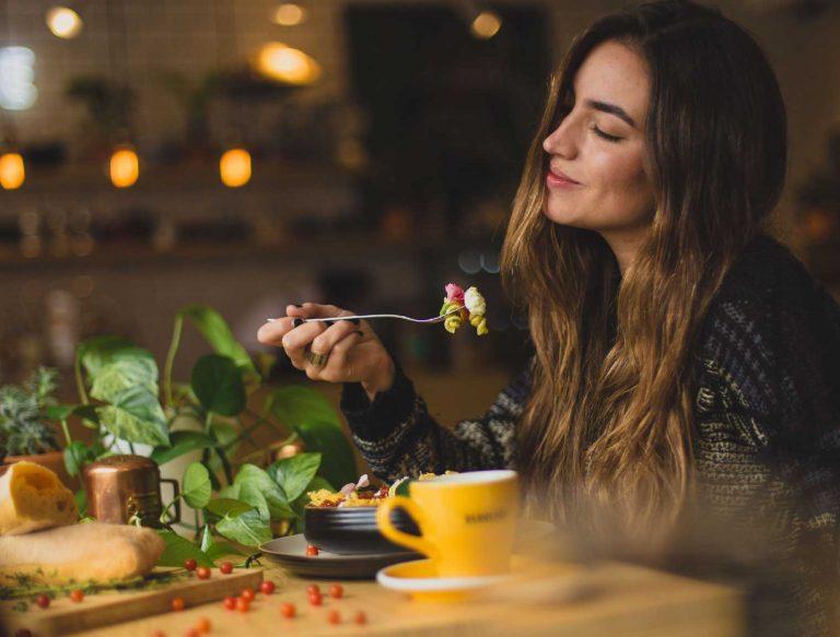 Chế độ dinh dưỡng giúp da bạn khỏe mạnh hơn từ trong ra ngoài