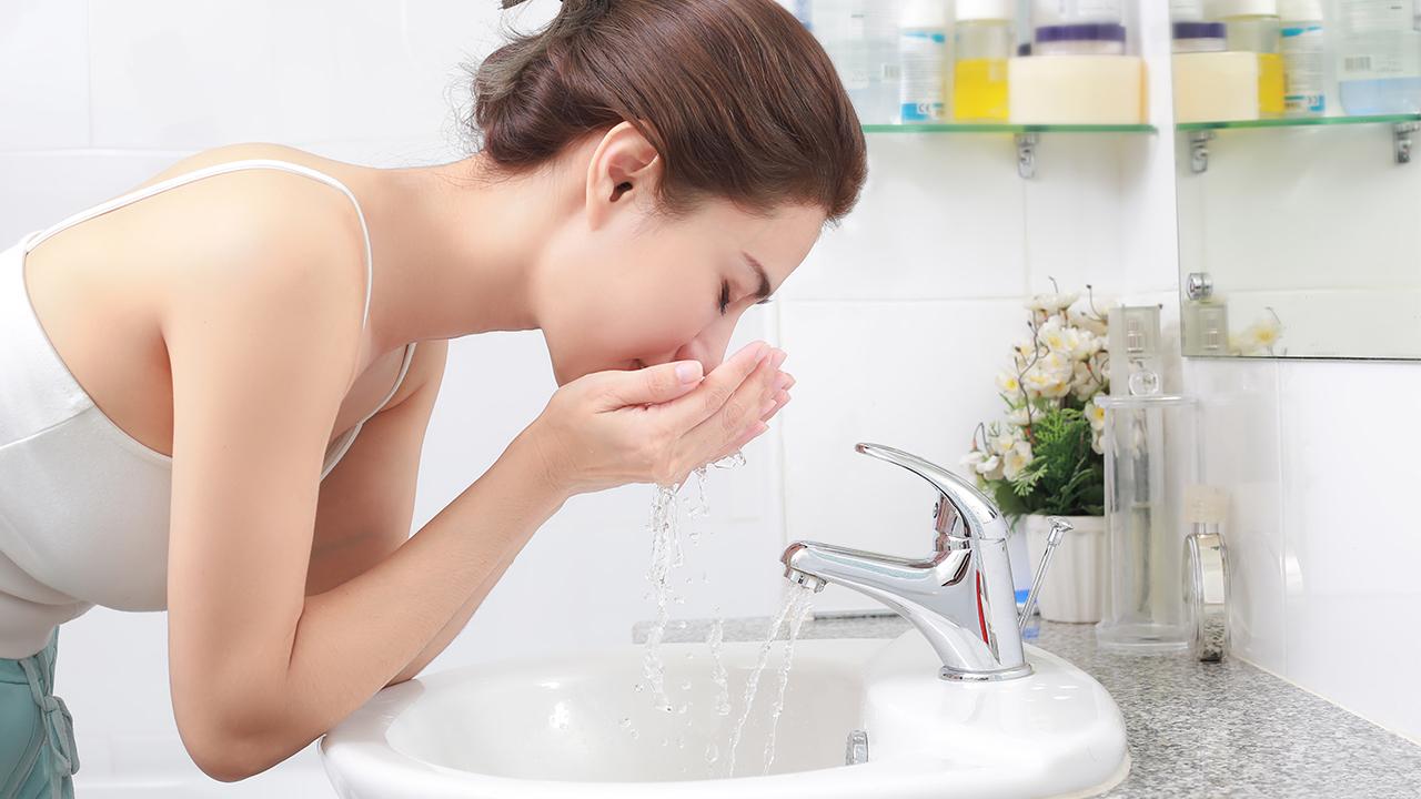 Làm sạch da là bước quan trong nhất trong các bước chăm sóc da