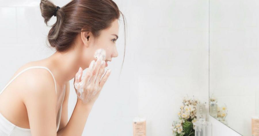 Làm sạch da quá kỹ không tốt cho da