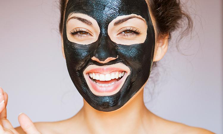 Mặt nạ than hoạt tính thải độc và dưỡng da mặt hiệu quả