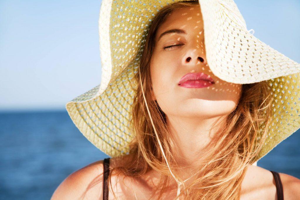 Làm thế nào để làn da dầu luôn rạng rỡ mùa hè