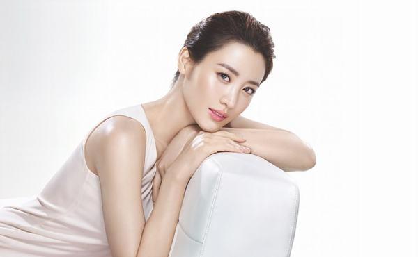 Một quy trình chăm sóc da mặt đúng chuẩn giúp bạn sở hữu làn da mịn màng, tươi trẻ