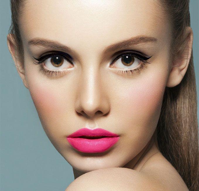 Màu môi đẹp tone hồng sẽ là một điểm nhấn nếu như bạn biết cách nhấn nhá trên khuôn mặt.