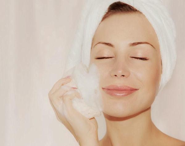 Rửa mặt đúng cách giúp làn da có được những hiệu quả tốt nhất
