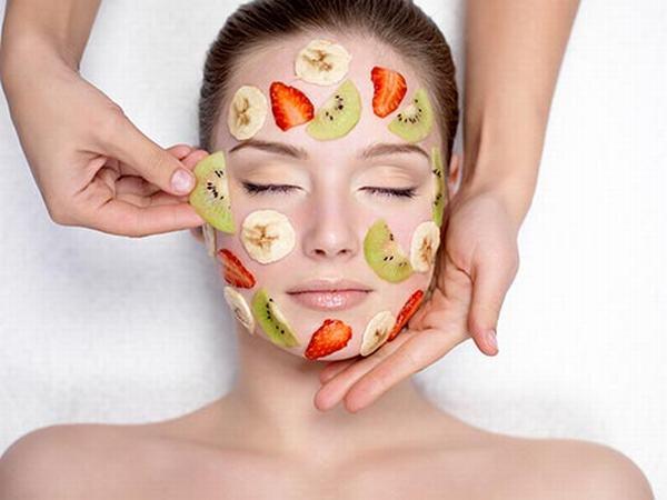 Đắp mặt nạ là chăm sóc da mặt mỏng hiệu quả, giúp nuôi dưỡng làn da săn chắc tăng sức đề kháng