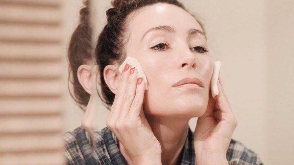 Da khô hoặc da dầu cũng đều ảnh hưởng đến cuộc sống thường nhật của bạn.
