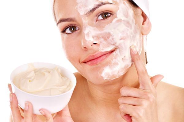 Làn da sẽ trắng đẹp nếu bạn chăm chỉ đắp mặt nạ sữa chua