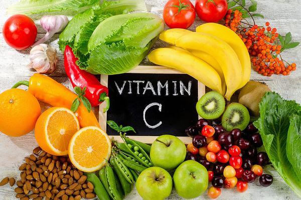 Một trong những cách dưỡng da khỏe mạnh là bổ sung đầy đủ các loại vitamin
