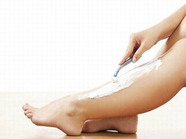 Cách làm sạch lông chân từ kem đánh răng được nhiều chị em lựa chọn