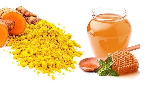 Nghệ có khả năng trị thâm, liền sẹo và dưỡng trắng da hiệu quả khi kết hợp cùng với mật ong