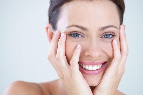 Khi còn trẻ, collagen hoạt động mạnh mẽ nên bạn thường nghĩ rằng mình đã có cách chăm sóc da đẹp hợp lý.