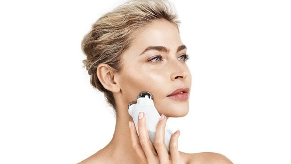 Thiết bị massage mặt của NuFace chắc chắn sẽ không khiến bạn thất vọng vì những hiệu quả làm đẹp da tuyệt vời của nó.