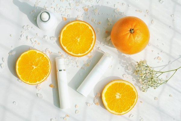 Không bao giờ là quá sớm hoặc quá muộn để bắt đầu sử dụng một loại serum hoặc kem dưỡng tinh chất vitamin C.