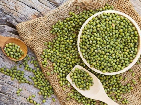 Bột đậu xanh chứa nhiều chất giúp làm mờ tàn nhang hiệu quả