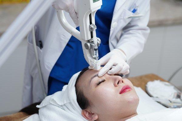 Trẻ hóa da bằng collagen chính là việc tăng cường độ săn chắc và đàn hồi cho da.