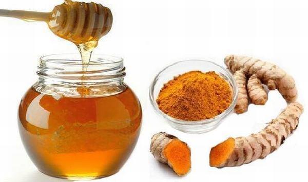 Bộ đôi nghệ mật ong sẽ giúp trị sạch nám da nếu bạn chăm chỉ thực hiện thường xuyên
