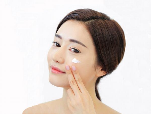 Tẩy nốt ruồi bằng thuốc chấm chưa thực sự an toàn đối với làn da