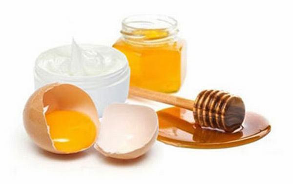 Trứng gà + mật ong bộ đôi trị nám siêu hiệu quả dành cho chị em