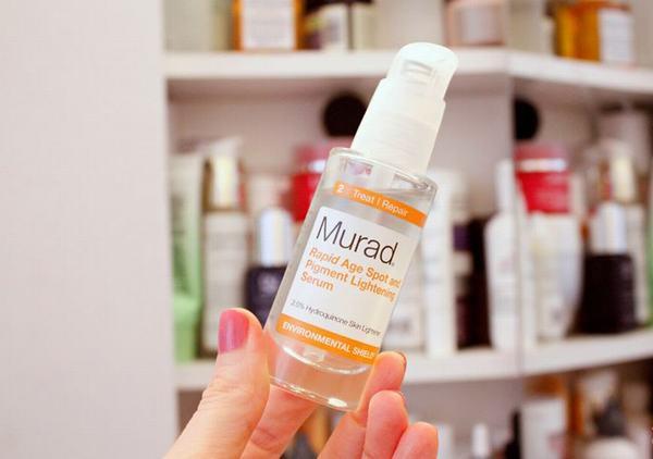 Lưu ý chống nắng sau khi sử dụng sản phẩm vì các thành phần của serum này có thể gây da bắt nắng.