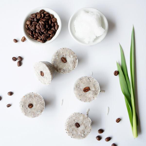 Bã cà phê là một nguyên liệu chà da chết với mùi hương và tác dụng cực đặc biệt.