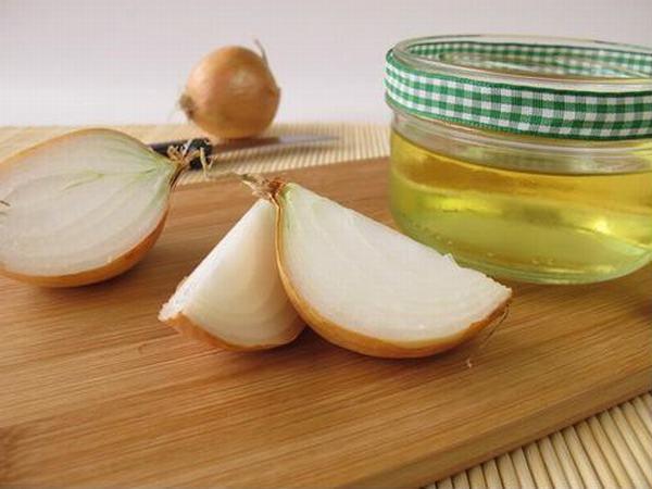 Công thức trị sẹo rỗ bằng hành tây và dầu oliu không quá phức tạp nhưng đòi hỏi kiên trì thực hiện