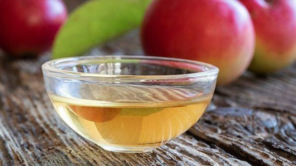 Giấm táo được đánh giá là cách trị nốt ruồi hiệu quả nhất và không tốn kém.