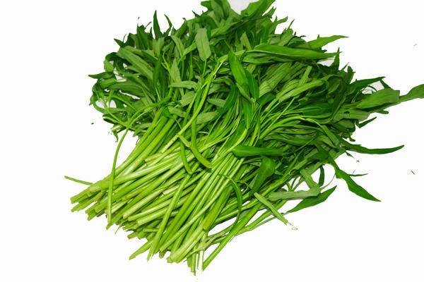 Rau muống là thực phẩm nên kiêng ăn thời gian đầu sau tẩy nốt ruồi