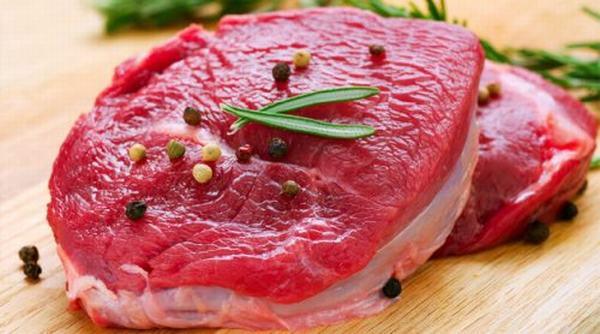 Vết thương sẽ có màu thâm nếu ăn quá nhiều thịt bò sau tẩy nốt ruồi